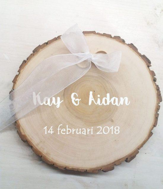 Ringplankje hout - Ringplankje boomschijf - boomschijf ringplankje - trouwringen